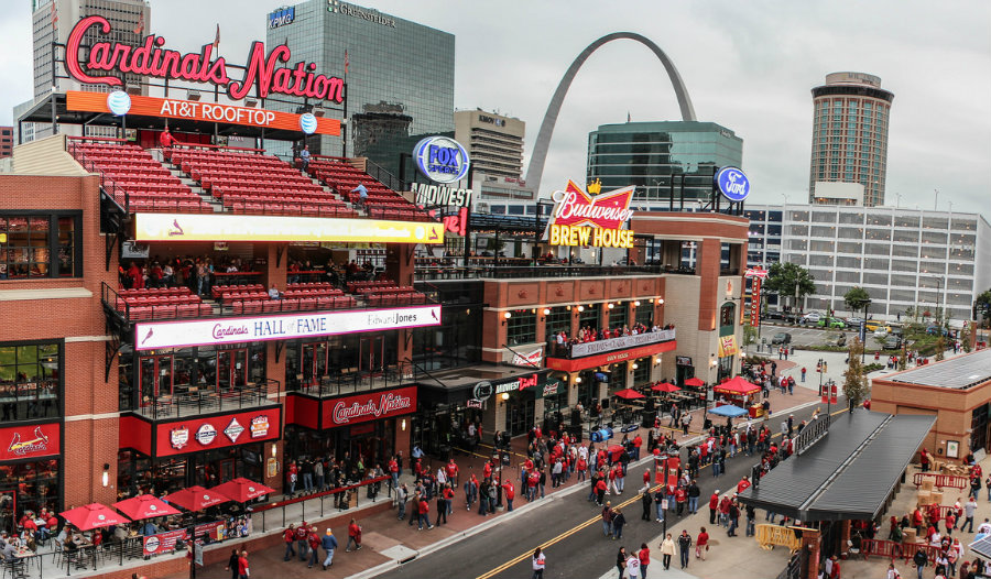 Cardinal fans prepare for a game at Ballpark Village in St. Louis, Missouri. Image source: http://bit.ly/22BbxVn