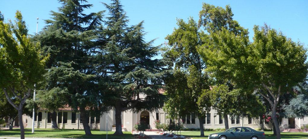 Freemont High School   Image via Flickr http://bit.ly/2b3Ygmo